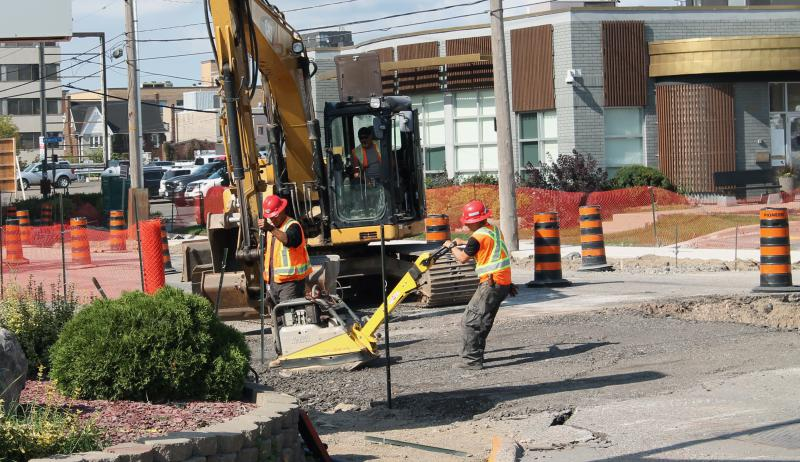 A picture of construction taking place in Sault Ste. Marie, Ontario.
